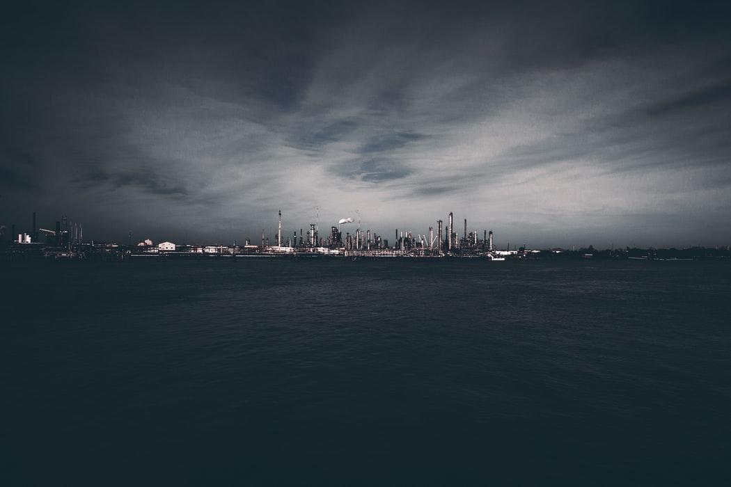 Pollution chimique et eaux usées océans